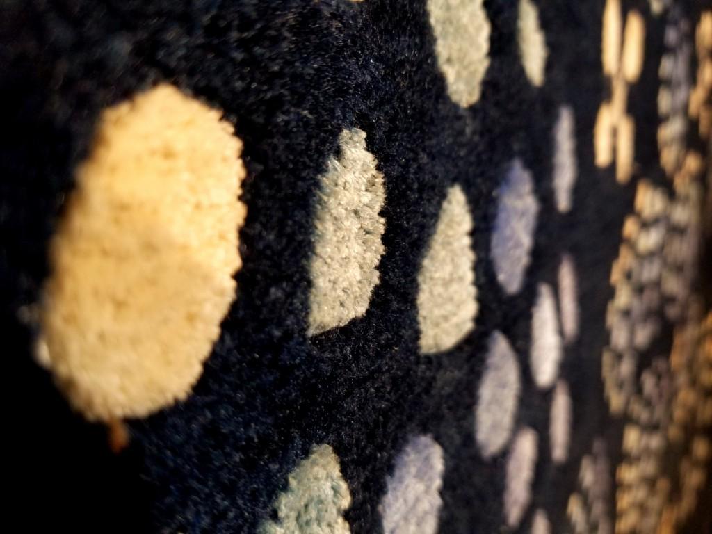 100年絨毯。