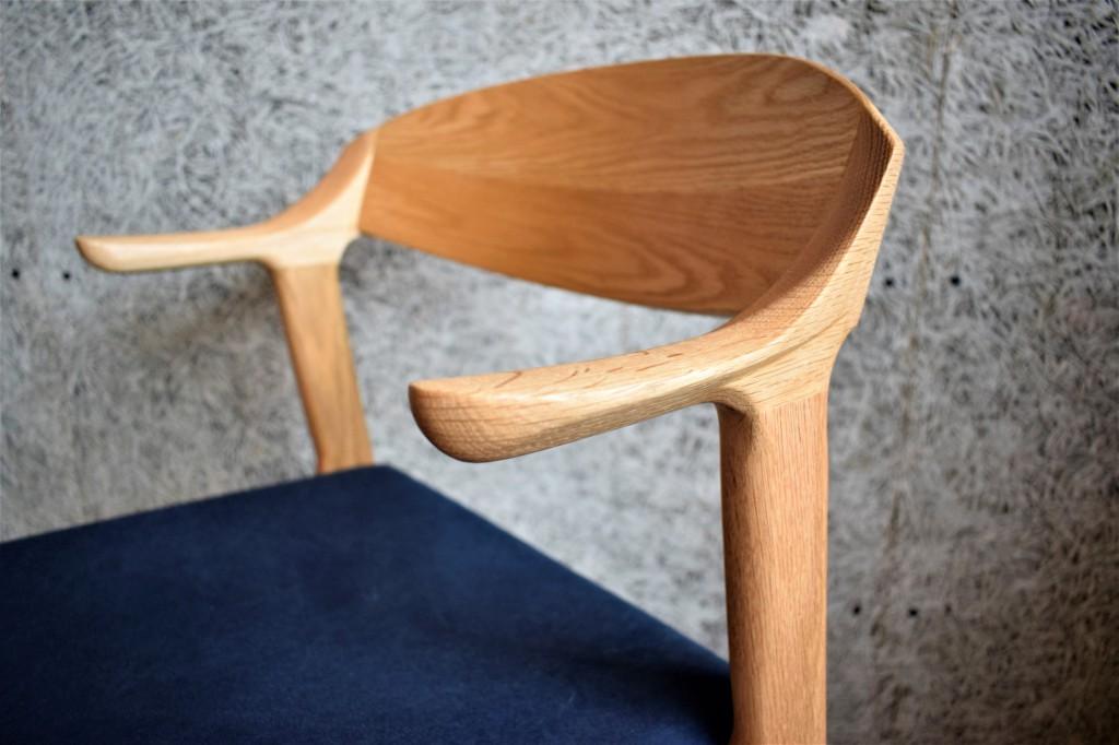 愛され椅子(仮)。