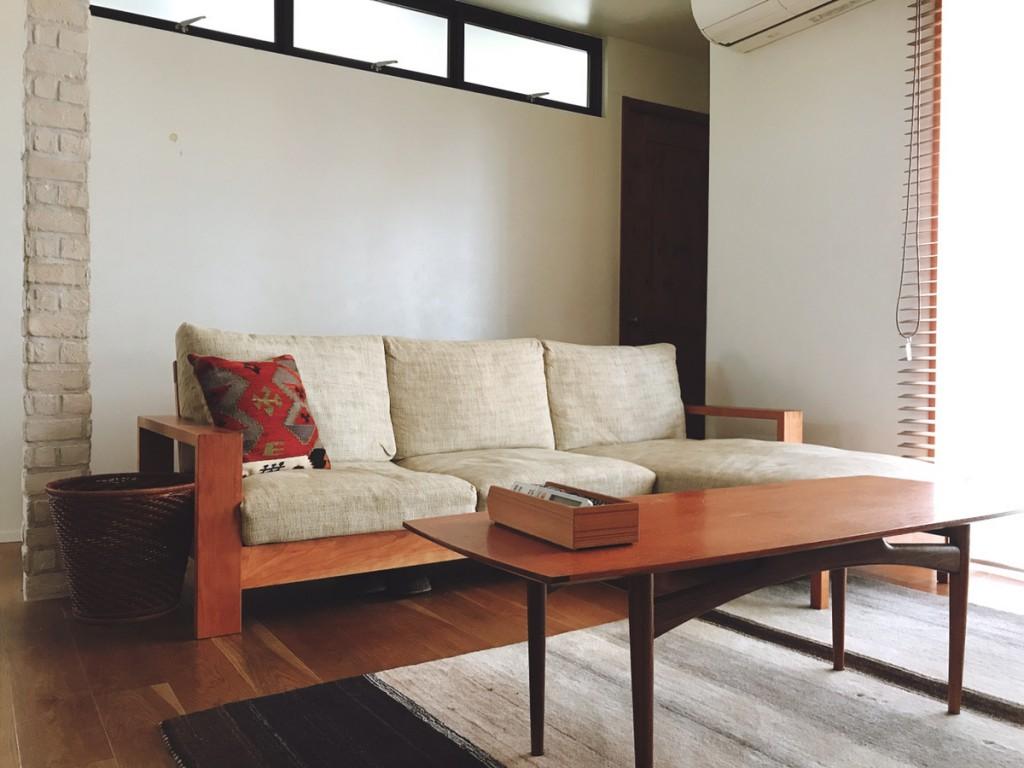 自宅のソファ
