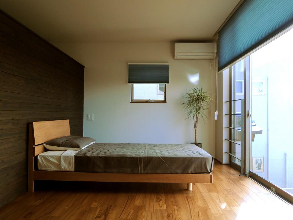 ベッドフレーム 木製