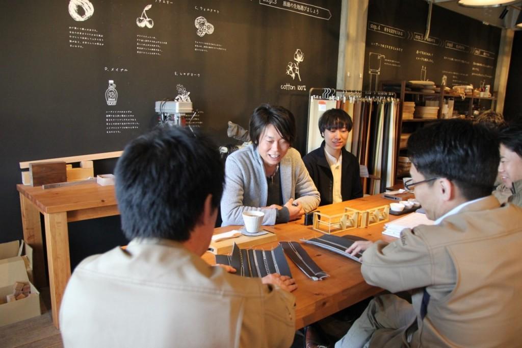 ミヤモト家具×ナガノインテリア  SOLID製品開発会議中2