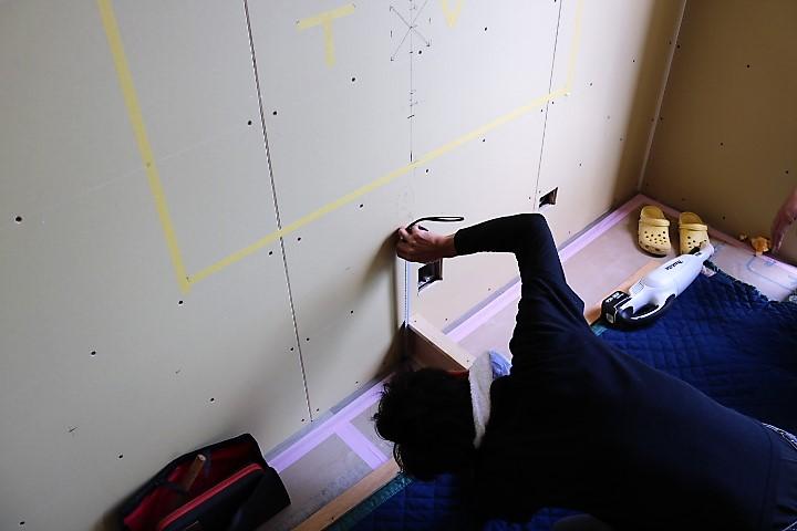 ZENⅢテレビボード造作取付完了までの写真 (1)