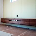 ミヤモト家具の店舗で、テレビボードを造作しよう!