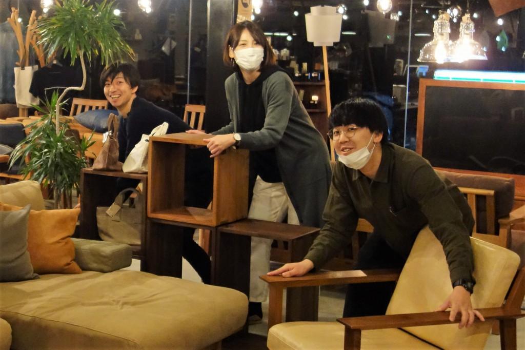 ミヤモト家具SOLIDスタッフ社員の笑顔 (1)