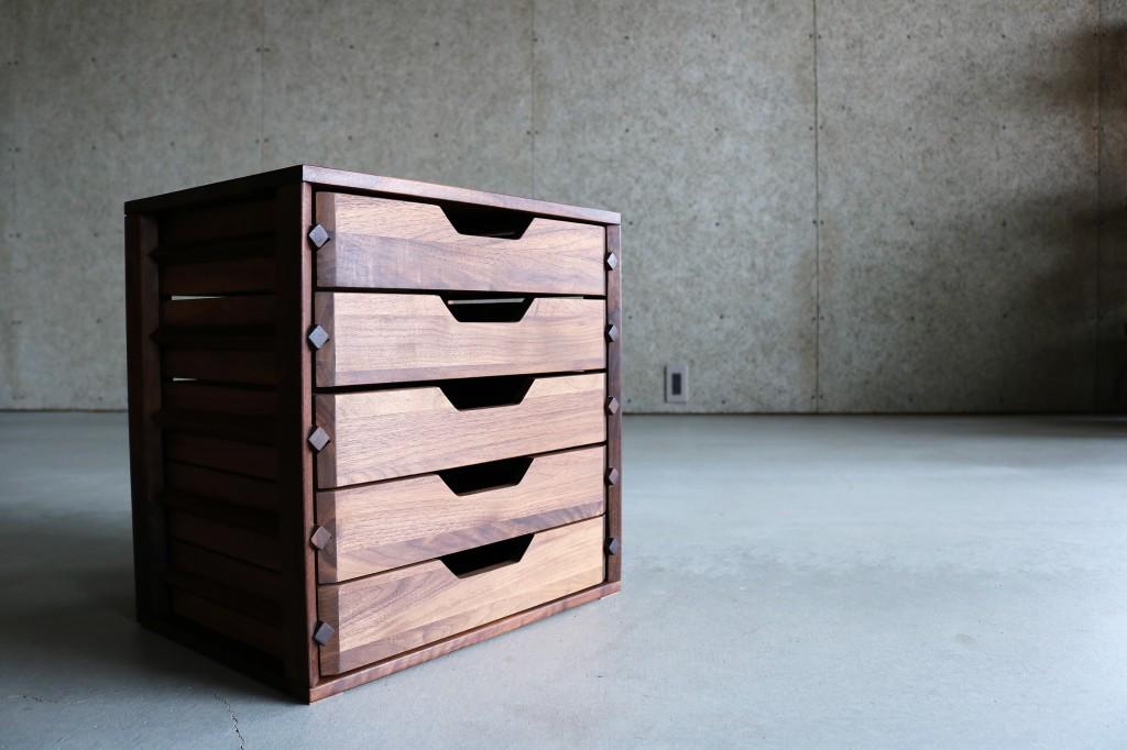 チェスト・ナイトテーブル・収納家具 SOLID 富山
