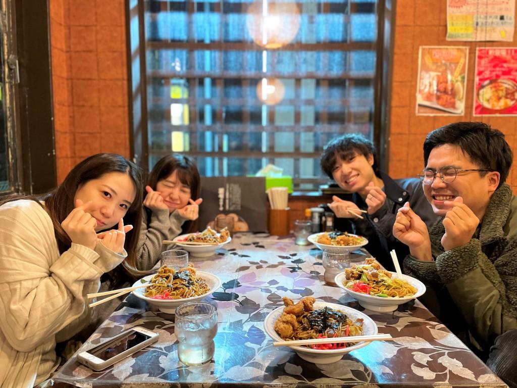 SOLID金沢 ミヤモト家具スタッフの夜食 らーめん太郎で焼きそば (5)