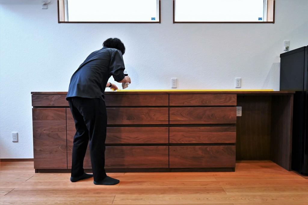 K様 特注・造作カウンター型ウォールナット無垢材カップボード【食器棚】 (5)
